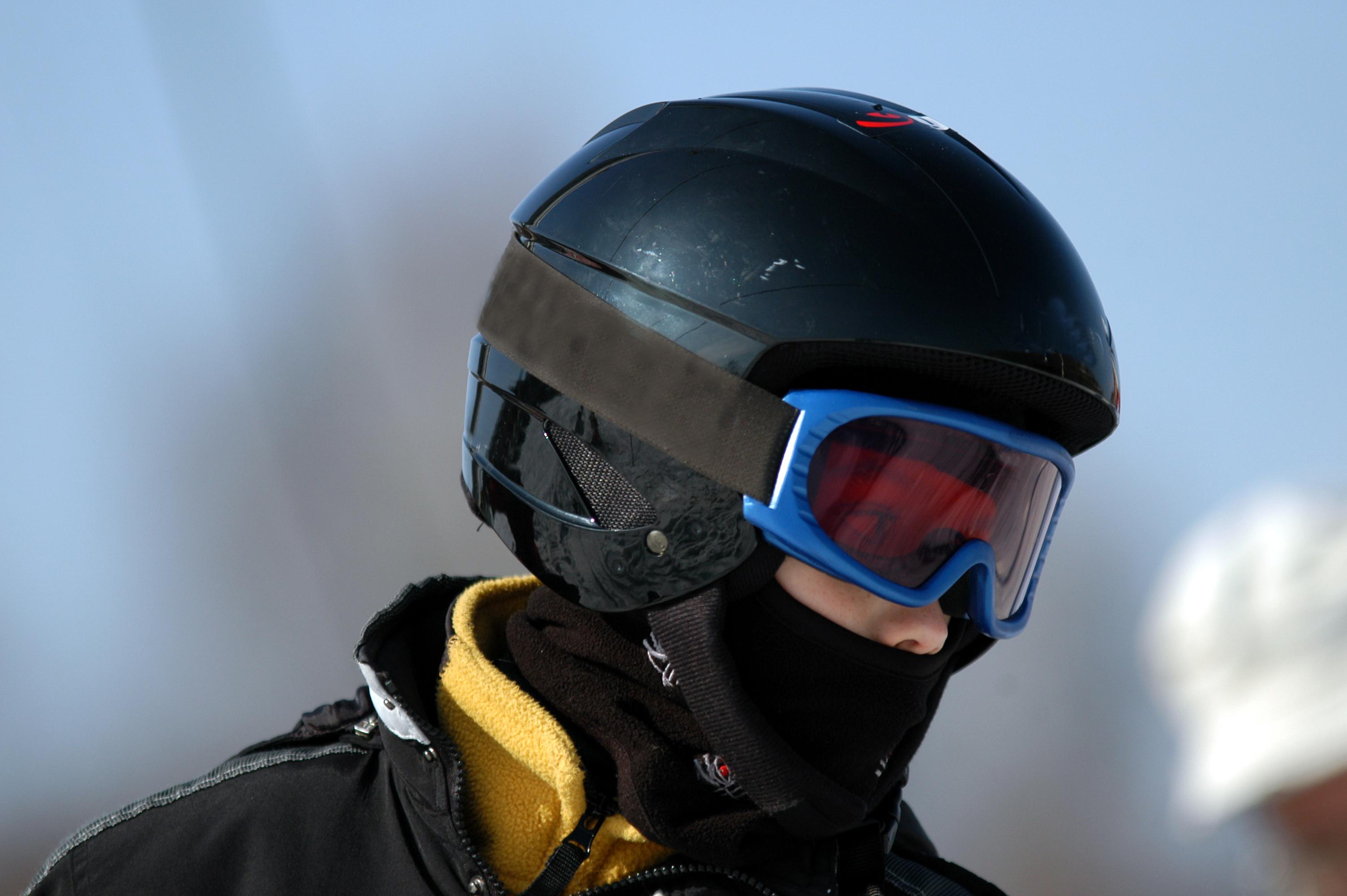 Budowa kasku narciarskiego